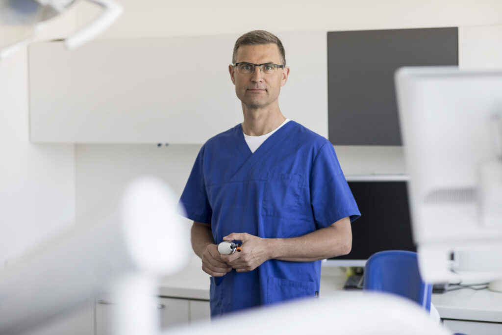 Dr. Dirk Mankow